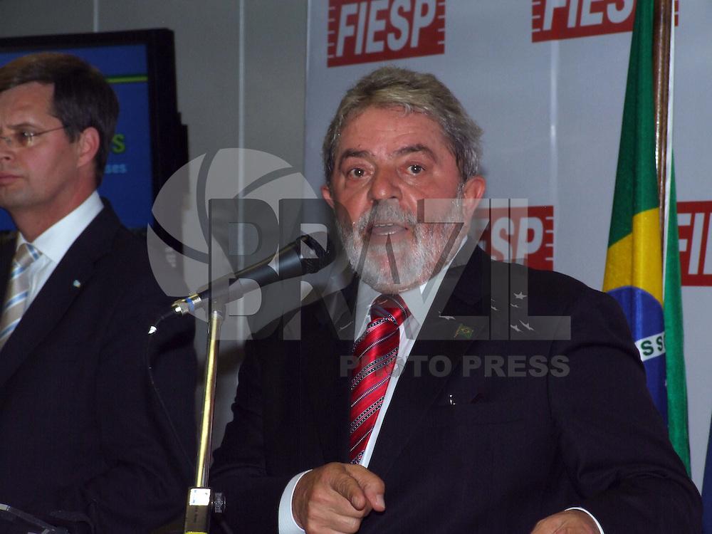 SÃO PAULO, SP, 02 DE MARÇO DE 2009 - ENCONTRO BRASIL-HOLANDA -O presidente da Fiesp/Ciesp, Paulo Skaf, junto com o presidente da República, Luiz Inácio Lula da Silva, recebe o primeiro-ministro dos Países Baixos, Jan Peter Balkenende, na sede da BRAZIL PHOTO PRESS).