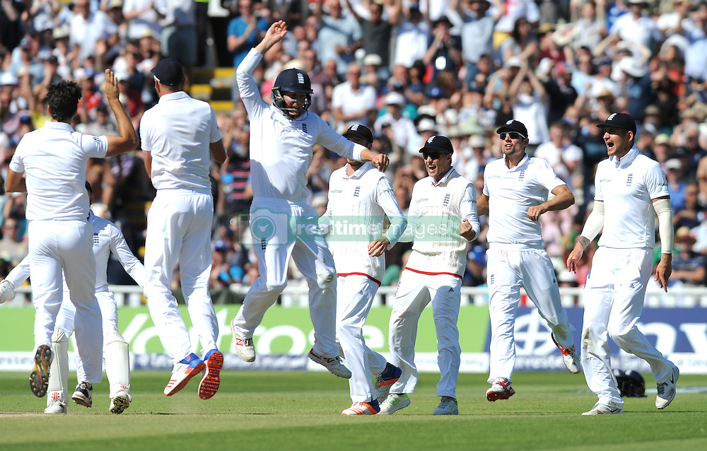 England players celebrate after England's Steven Finn bowled Pakistan's Sami Aslam during day five of the 3rd Investec Test Match at Edgbaston, Birmingham.