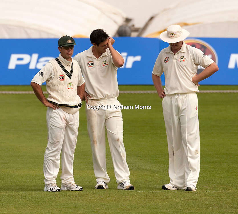 Captain Ricky Ponting (left) with bowlers Mitchell Johnson and Doug Bollinger (right) shortly before losing the second MCC Spirit of Cricket Test Match between Pakistan and Australia at Headingley, Leeds.  Photo: Graham Morris (Tel: +44(0)20 8969 4192 Email: sales@cricketpix.com) 24/07/10