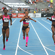 DUNCAN.FELIX - 13USA, Des Moines, Ia. - Kimberly Duncan edged out Allyson Felix in the 200.   Photo by David Peterson