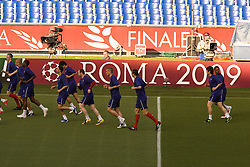 ROME, ITALY - Tuesday, May 26, 2009: Manchester United's players training at Stadio Olimpico ahead of the UEFA Champions League Final against Barcelona. (Pic by Carlo Baroncini/Propaganda)