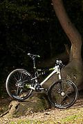 Bicycle `buyer magazine hybrids, mtbs shoot. London, Sept 2011 cannondale RZ One-Twenty 2012