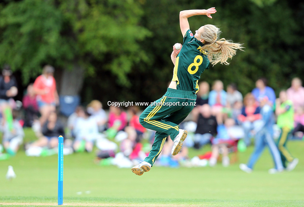 Ellyse Perry in action for the Australian team.<br /> Cricket - Rosebowl Series. Twenty20 International - New Zealand White Ferns v Australia, 18 February 2011, Queens Park, Invercargill, New Zealand.<br /> Photo: Rob Jefferies / www.photosport.co.nz