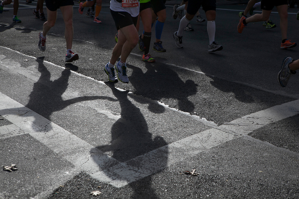 Participants run in Bay Ridge as they run in the New York City Marathon in Brooklyn, NY on Sunday, Nov. 3, 2013.<br /> <br /> CREDIT: Andrew Hinderaker for The Wall Street Journal<br /> SLUG: NYSTANDALONE