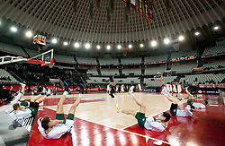 Players of Olimpija at warming up prior to the Euroleague Top 16 basketball match between Lottomatica Virtus Roma (ITA) and KK Union Olimpija Ljubljana (SLO) in Group F, on January 20, 2011 in Arena PalaLottomatica, Rome, Italy. (Photo By Vid Ponikvar / Sportida.com)