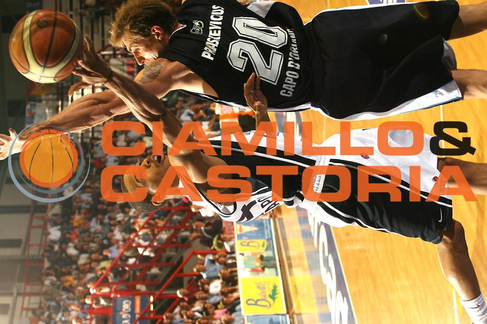 DESCRIZIONE : Napoli Lega A1 2005-06 Carpisa Napoli Upea Capo Orlando<br />GIOCATORE : Greer<br />SQUADRA : Carpisa Napoli<br />EVENTO : Campionato Lega A1 2005-2006<br />GARA : Carpisa Napoli Upea Capo Orando<br />DATA : 04/05/2006<br />CATEGORIA : Tiro<br />SPORT : Pallacanestro<br />AUTORE : Agenzia Ciamillo-Castoria/G.Ciamillo