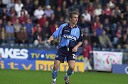 Peter Spurrier Sports  Photo.email pictures@rowingpics.com.Tel 44 (0) 7973 819 551.Nationwide Division 2 .Wycombe Wanders FC v Swindon Town FC..27-10-2001.1st Half..Wycombe's, David Currie.