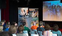 AMSTERDAM - Dames bondscoach Sjoerd Marijne tijdens het KNHB Symposium Train de Trainer, voor trainer, coach , begeleider binnen het aangepaste hockey. Dit alles in het Ronald MacDonald Centre in Amsterdam. COPYRIGHT KOEN SUYK