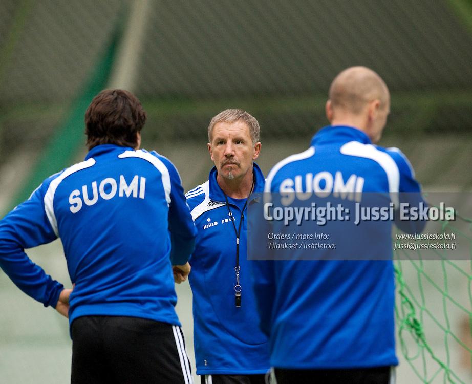 Stuart Baxter. A-maajoukkueen harjoitukset, 7.10.2009. Photo: Jussi Eskola