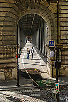 Couple, Bir-Hakeim Bridge