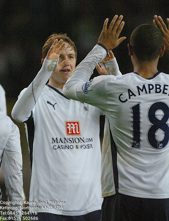 ROMAN PAVLYUCHENKO, TOTTENHAM HOTSPUR, SILENCES THE LIVERPOOL FANS AFTER SCORING TOTTENHAMS FIRST GOAL AT WHITE HART LANE, Tottenham Hotspur - Liverpool, Carling Cup White Hart Lane Wednesday 12th November 2008, 12/11/08