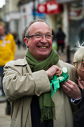 Pictured: John Wilson, Greens candidate for Central Scotland<br /> <br /> As part of her visit to Scotland to support Greens candidates in the Scottish election, Green MP Caroline Lucas joined Scottish Greens colleagues Maggie Chapman, Greens co-convener, Mark Ruskell, candidate for Mid Scotland and Fife, Kirsten Robb, candidate for Central Scotland and John Wilson, candidate for Central Scotland, to meet anti-fracking campaigners in Falkirk <br /> <br /> Ger Harley | EEm 29 April 2016