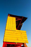 Posto de salva vidas na Praia de Ponta das Canas. Florianópolis, Santa Catarina, Brasil. / Lifeguard station at Ponta das Canas Beach. Florianopolis, Santa Catarina, Brazil.