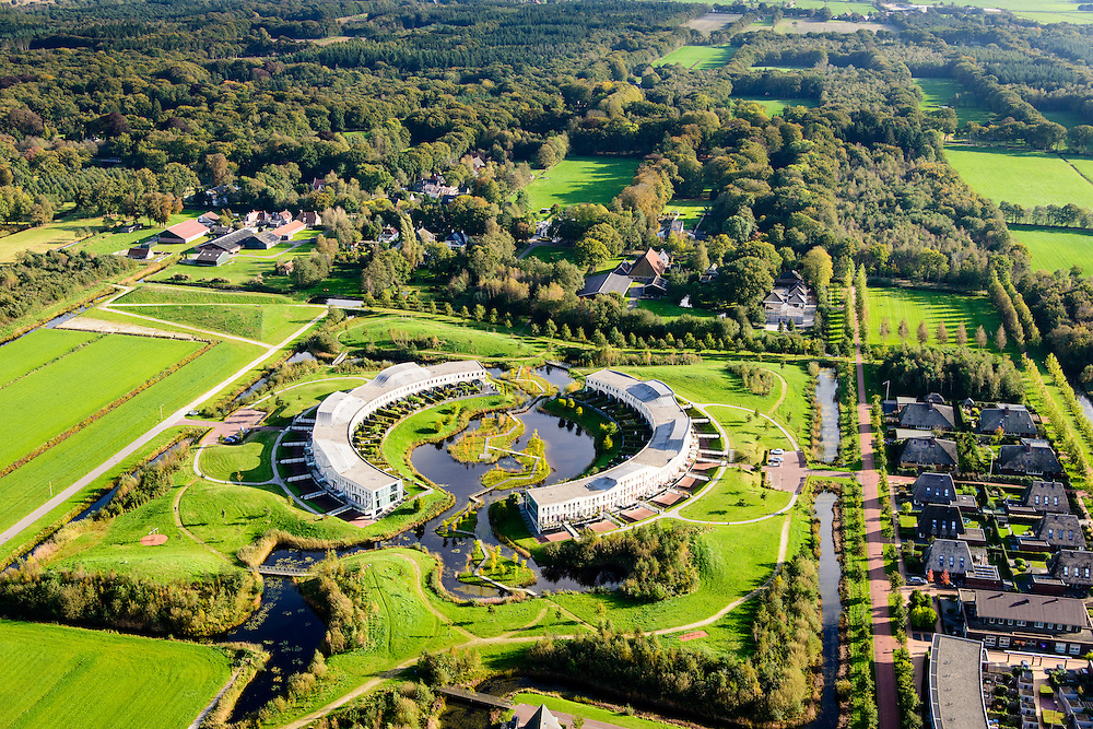Nederland, Friesland, Gemeente Heerenveen, 10-10-2014; nieuwbouwwijk Skoatterwald, Landgoed Oranjewoud in de achtergrond.<br /> <br /> luchtfoto (toeslag op standard tarieven);<br /> aerial photo (additional fee required);<br /> copyright foto/photo Siebe Swart