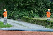 Nederland, Ubbergen,1-7-2014Bij een oprit van een huis staan twee beelden, stenen leeuwen met een oranje shirt. Het is wereldkampioenschap voetbal.steen,beeldFoto: Flip Franssen/Hollandse Hoogte
