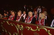 SAS Rainier during the circus festival    Monaco      le prince Rainier en visite au cirque    Monaco   R12/166    L930129e  /  P0003942