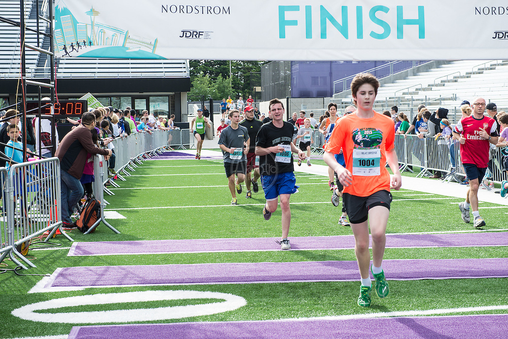 Nordstrom 2014 Beat The Bridge Run benefitting JDRF.