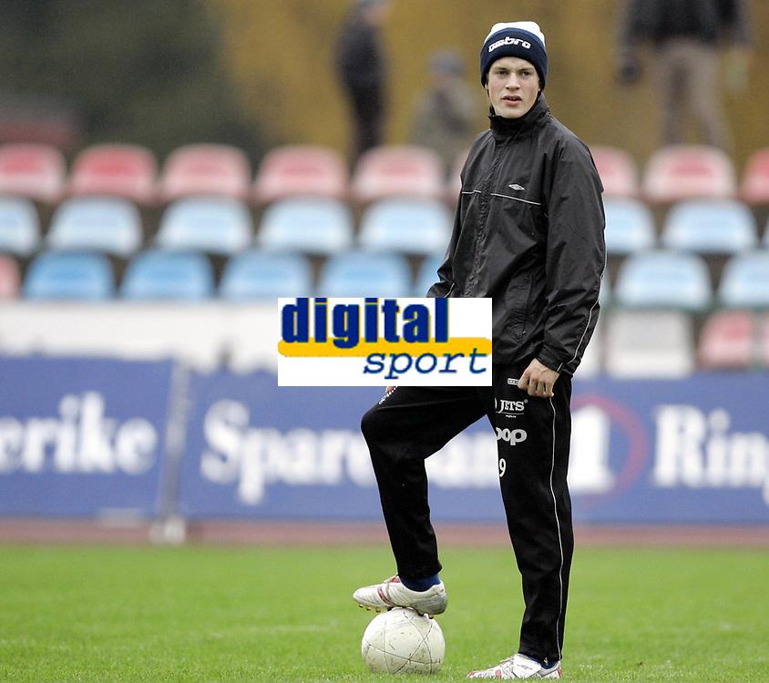 Fotball<br /> Adeccoligaen<br /> 22.10.2006<br /> H&oslash;nefoss v H&oslash;dd 3-0<br /> Foto: Morten Olsen, Digitalsport<br /> <br /> Andreas Rekdal - H&oslash;dd