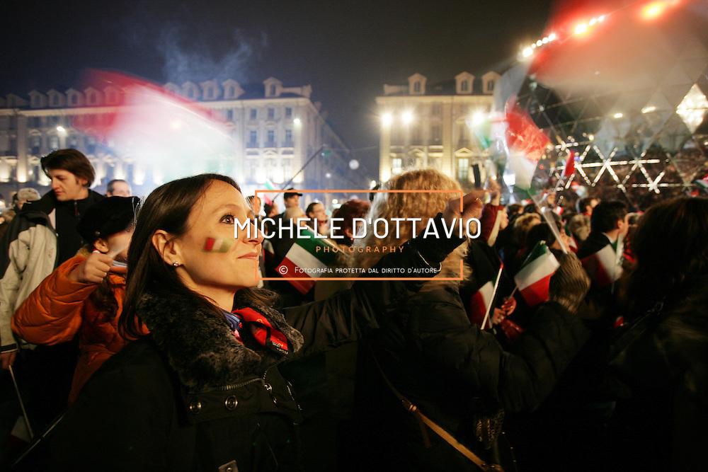 Torino ha ospitato i XX Giochi Olimpici Invernali 10-26 Febbraio 2006  ..nella foto la Medal Plaza (piazza Castello)