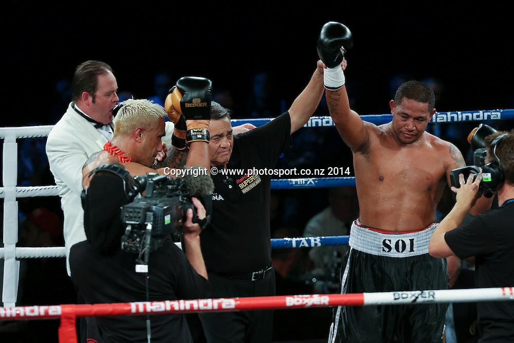 Vaitele SoI (R) wins his fight against Monty Filimaea Mahindra Super 8 Fight Night, North Shore Events Centre, Auckland, New Zealand, Saturday, November 22, 2014. Photo: David Rowland/Photosport