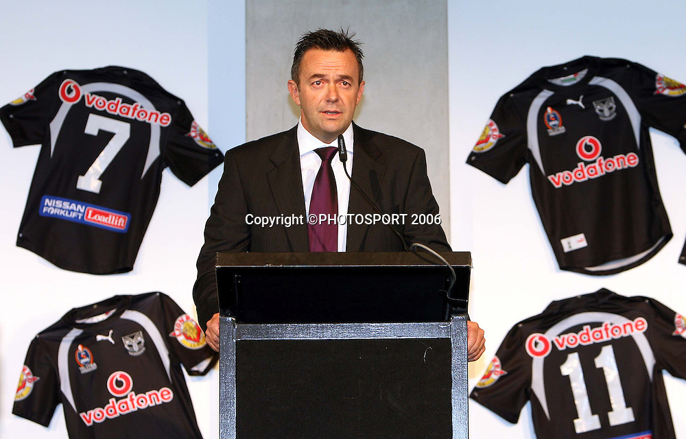 Warriors CEO Wayne Scurrah speaks during the Vodafone Warriors Captains lunch held at Ericsson Stadium, Auckland, on Tuesday 7 March, 2006. Photo: Renee McKay/PHOTOSPORT<br /><br /><br />148736