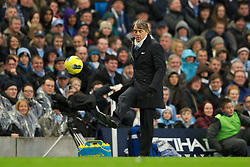 03.12.2011, City of Manchester Stadium, Manchester, ENG, PL, Manchester City vs Norwich City, 14. Spieltag, im Bild Manchester City's manager Roberto Mancini controls the ball against Norwich City's // during the football match of english Premier League, 14th round between Manchester City vs Norwich City at City of Manchester stadium, Manchester, ENG on 2011/12/03. EXPA Pictures © 2011, PhotoCredit: EXPA/ Sportida/ David Rawcliff..***** ATTENTION - OUT OF ENG, GBR, UK *****