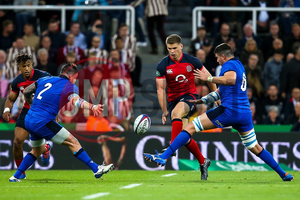 Owen Farrell of England kicks the ball through - Mandatory by-line: Robbie Stephenson/JMP - 06/09/2019 - RUGBY - St James's Park - Newcastle, England - England v Italy - Quilter Internationals