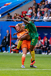 15-06-2019 FRA: Netherlands - Cameroon, Valenciennes<br /> FIFA Women's World Cup France group E match between Netherlands and Cameroon at Stade du Hainaut / Jill Roord #19 of the Netherlands, Claudine Meffometou #12 of Cameroon