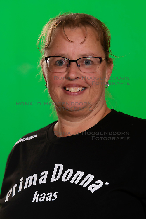 10-09-2018 NED: Team PDK Huizen season 2018-2019, Huizen<br /> The players of Top Division club vv Huizen women season 2018-2019 / Teammanager Mireille Bleeker of PDK Huizen