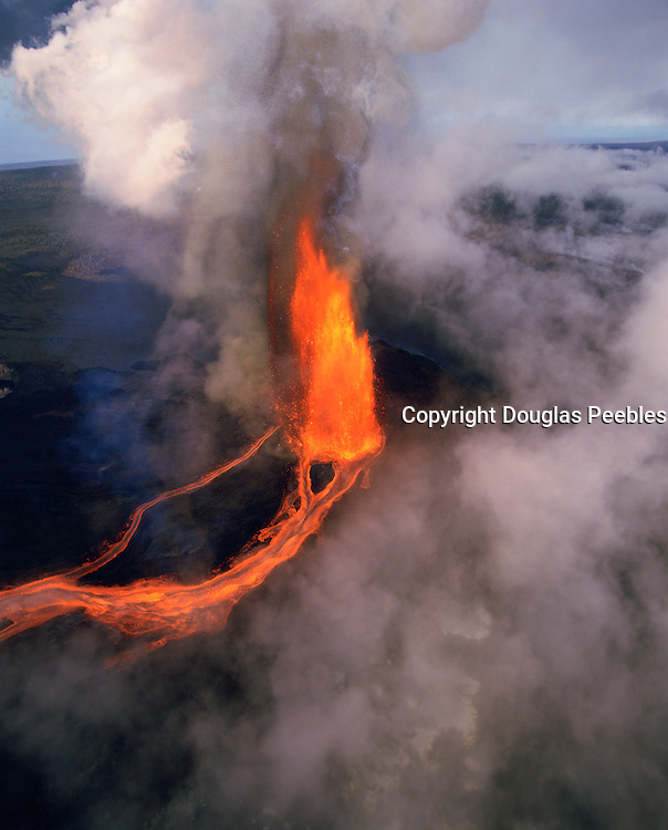 Pu'u O'O vent, Kilauea Volcano, Hawaii Volcanoes National Park, Island of Hawaii, Hawaii, USA<br />