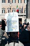 Roma 6 Marzo 2010.Il  'Popolo Viola'  in piazza Montecitorio per protestare  contro il decreto salva-liste per le elezioni regionali  approvato dal Governo Berlusconi..Roma March 6, 2010.The 'Purple People' against the decree-saving lists for regional elections approved by the Berlusconi government