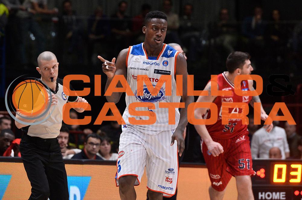 DESCRIZIONE : Beko Legabasket Serie A 2015- 2016 EA7 Emporio Armani Olimpia Milano - Acqua Vitasnella Cantu'<br /> GIOCATORE : Awudu Abass<br /> CATEGORIA : esultanza<br /> SQUADRA : Acqua Vitasnella Cantu'<br /> EVENTO : Beko Legabasket Serie A 2015-2016<br /> GARA : EA7 Emporio Armani Olimpia Milano - Acqua Vitasnella Cantu'<br /> DATA : 20/03/2016<br /> SPORT : Pallacanestro <br /> AUTORE : Agenzia Ciamillo-Castoria/R.Morgano