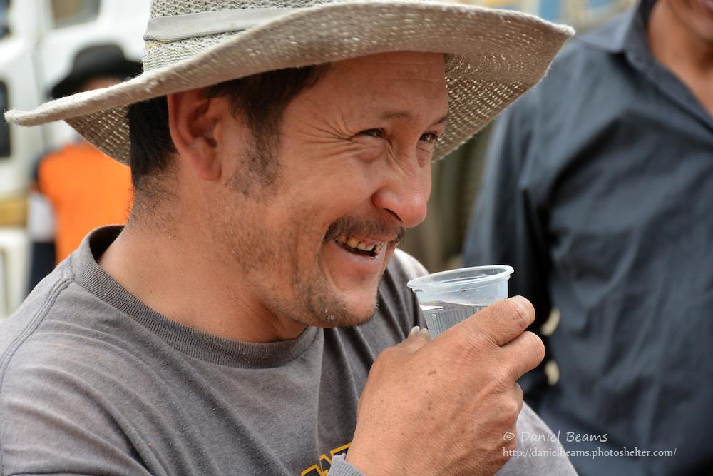 Demonstrating Sawyer water filter in La Higuera, Santa Cruz, Bolivia