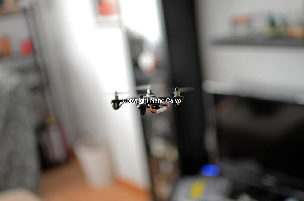 Small remote controlled quadrocopter