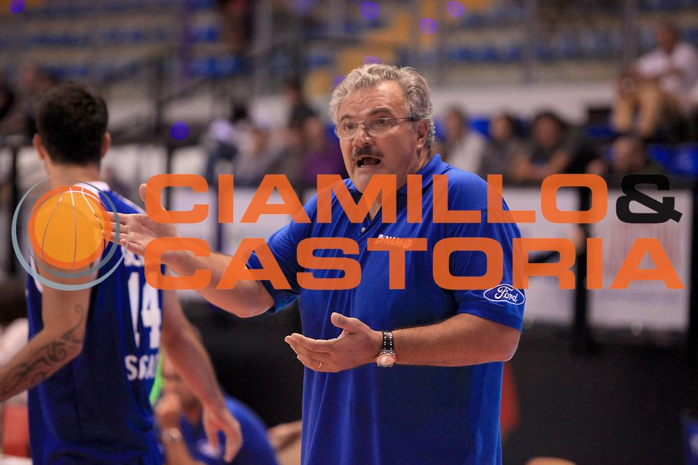 DESCRIZIONE : Biella II Torneo Giuseppe Angelico Lega A 2010-11 Canadian Solar Virtus Bologna Dinamo Sassari<br /> GIOCATORE : Romeo Sacchetti<br /> SQUADRA : Dinamo Sassari<br /> EVENTO : Campionato Lega A 2010-2011 <br /> GARA : Canadian Solar Virtus Bologna Dinamo Sassari<br /> DATA : 25/09/2010<br /> CATEGORIA : coach<br /> SPORT : Pallacanestro <br /> AUTORE : Agenzia Ciamillo-Castoria/C.De Massis<br /> Galleria : Lega Basket A 2010-2011 <br /> Fotonotizia : Biella II Torneo Giuseppe Angelico Lega A 2010-11 Canadian Solar Virtus Bologna Dinamo Sassari<br /> Predefinita :