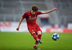 ST HELENS, ENGLAND - Monday, December 10, 2018: Liverpool's Neco Williams during the UEFA Youth League Group C match between Liverpool FC and SSC Napoli at Langtree Park. (Pic by David Rawcliffe/Propaganda)
