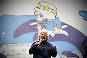 Beppe Grillo closes M5S electoral campaign for Rome mayor