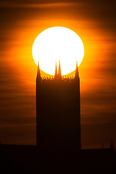 © Licensed to London News Pictures. 29/05/2020. Lincoln UK. The sun rises behind Lincoln Cathedral in Lincolnshire this morning as the UK looks forward to a weekend of good weather. Photo credit: Andrew McCaren/LNP