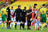 Football - 2019 / 2020 Premier League - Norwich City vs. Burnley<br /> <br /> Norwich City manager Daniel Farke at the final whistle after their 2-0 defeat, at Carrow Road.<br /> <br /> COLORSPORT/ASHLEY WESTERN