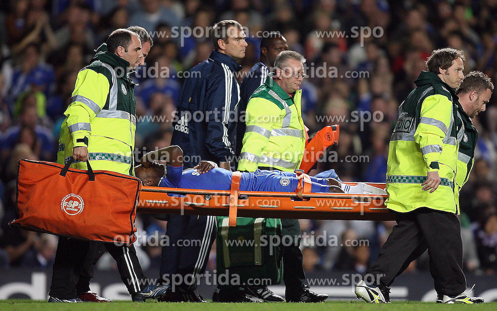 22.09.2010, Stamford Bridge, London, ENG, Carling Cup, Chelsea FC vs Newwcastle United im Bild Salomon Kalou of Chelsea  injured and stretched off, EXPA Pictures © 2010, PhotoCredit: EXPA/ IPS/ M. Atkins *** ATTENTION *** UK AND FRANCE OUT! / SPORTIDA PHOTO AGENCY