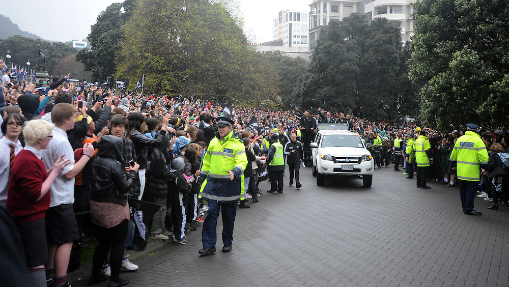 Thousands packed into the grounds after the Rugby World Cup victory parade through the city ending at Parliament, Wellington, New Zealand, Wednesday, October 26, 2011. Credit:SNPA / Ross Setford