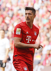 18.05.2019, Allianz Arena, Muenchen, GER, 1. FBL, FC Bayern Muenchen vs Eintracht Frankfurt, 34. Runde, Meisterfeier nach Spielende, im Bild Robert Lewandowski // during the celebration after winning the championship of German Bundesliga season 2018/2019. Allianz Arena in Munich, Germany on 2019/05/18. EXPA Pictures © 2019, PhotoCredit: EXPA/ SM<br /> <br /> *****ATTENTION - OUT of GER*****