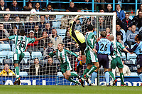 Fotball<br /> Picture: Henry Browne, Digitalsport.<br /> Date: 10/04/2004.<br /> Coventry City v Millwall Nationwide Division One.<br /> <br /> Milwall keeper Andy Marshall is beaten by a header by Cov's Calum Davenport to make it 2-0.<br /> NORWAY ONLY