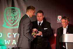 CARDIFF, WALES - Monday, October 2, 2017: Wales' David Edwards is presented with the Media Choice Player of the Year Award during the FAW Awards Dinner at the Hensol Castle. (Pic by David Rawcliffe/Propaganda)