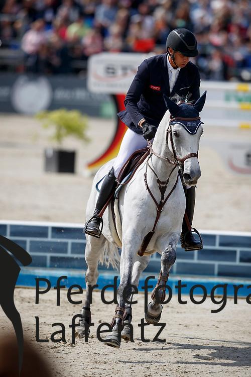 RENZEL Markus (GER), Stella<br /> Hagen - Horses and Dreams meets the Royal Kingdom of Jordan 2018<br /> Grosser Preis der DKB Qualifikation DKB-Riders Tour<br /> 30 April 2018<br /> www.sportfotos-lafrentz.de/Stefan Lafrentz