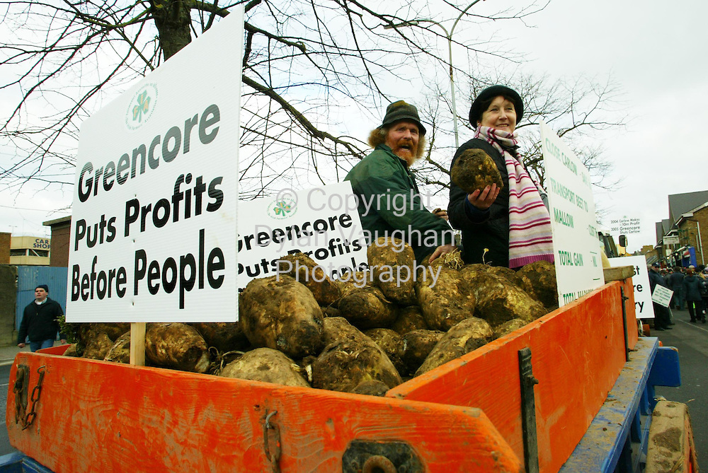 25/1/2005.Marie Davis from Athy and Godfrey Worrell from Killdangan County Kildare pictured at the protest in Carlow over the closure of the Irish Sugar plant in the town..Picture Dylan Vaughan