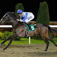 Rebellious Guest and Tom Queally winning the 6.30 race