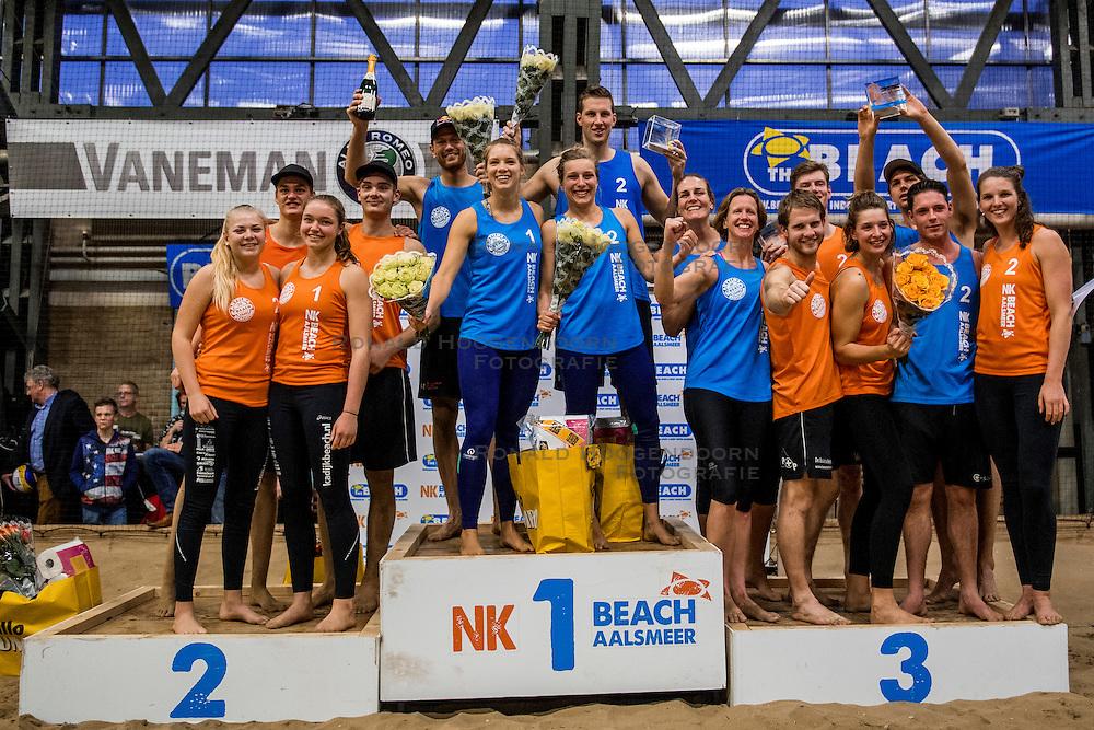 08-01-2017 NED: NK Beachvolleybal Indoor, Aalsmeer<br /> De winnaars van het laatste NK Beach toernooi in Aalsmeer met oa. Alexander Brouwer, Laura Bloem, Christiaan Varenhorst en Marloes Wesselink