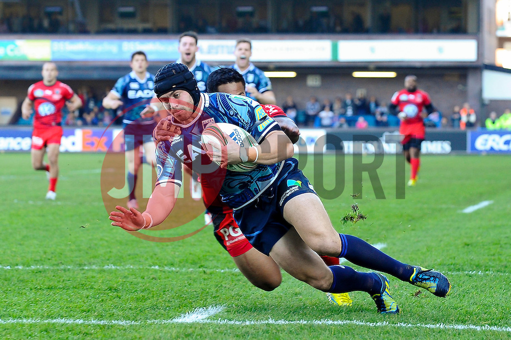 during the first half of the match - Photo mandatory by-line: Rogan Thomson/JMP - Tel: Mobile: 07966 386802 21/10/2012 - SPORT - RUGBY - Cardiff Arms Park - Cardiff. Cardiff Blues v Toulon (RC Toulonnais) - Heineken Cup Round 2
