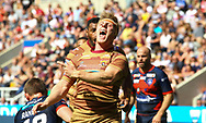 Adam O'Brien of Huddersfield Giants  celebrates scoring the try against Wakefield Trinity during the Betfred Super League match at the Dacia Magic Weekend, St. James's Park, Newcastle<br /> Picture by Stephen Gaunt/Focus Images Ltd +447904 833202<br /> 20/05/2018